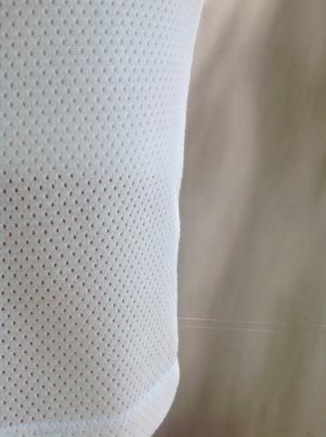 Falda-tubo-blanca-detalle | Elisa Muresan ropa ecológica