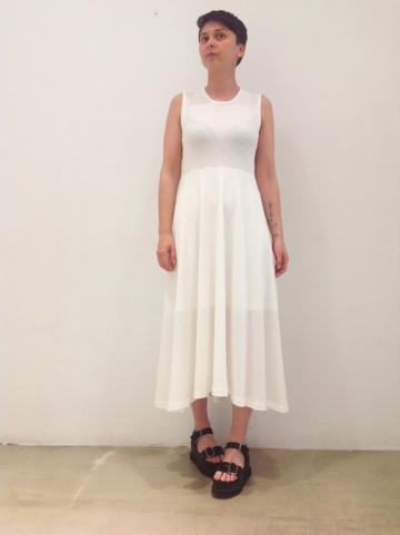 Vestido-blanco | Elisa Muresan moda sostenible