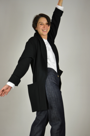 chaqueta-americana-negra-lateral   Elisa Muresan ropa ecológica