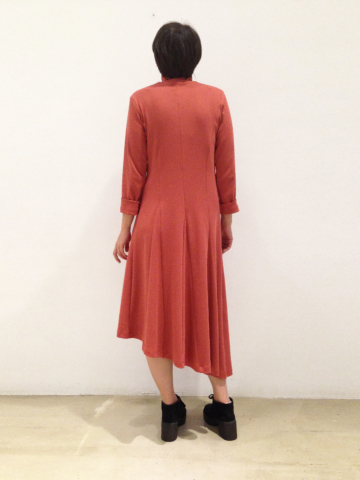 vestido-marsala-espalda | Elisa Muresan moda sostenible