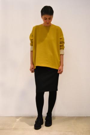 Jersey-mostaza   Elisa Muresan moda sostenible