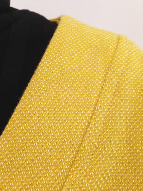 chaqueta-vestido-mostaza-detalle | Elisa Muresan moda sostenible