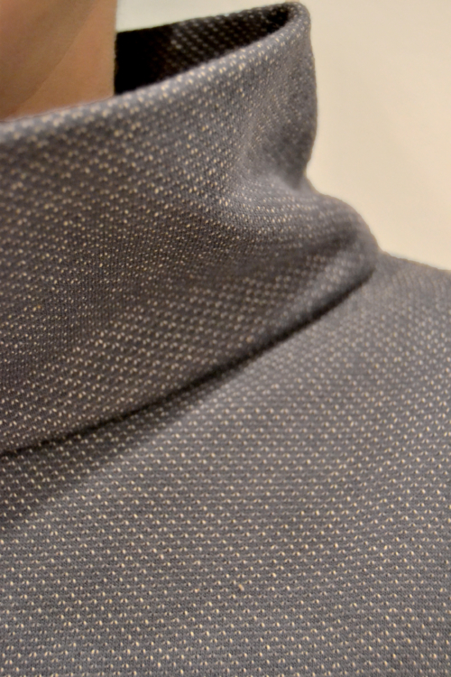 jersey-gris-cuello-detalle | Elisa Muresan ropa ecológica