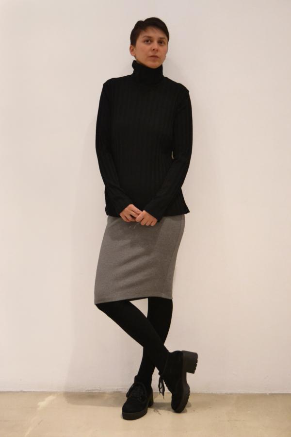 jersey-negro-cuello-alto | Elisa Muresan moda sostenible
