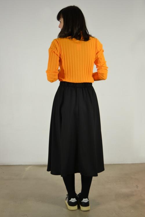 falda-midi-detras   Elisa Muresan moda sostenible