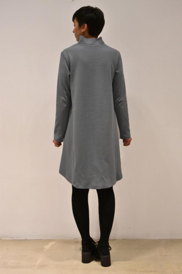 vestido-gris-evase-espalda | Elisa Muresan ropa ecológica