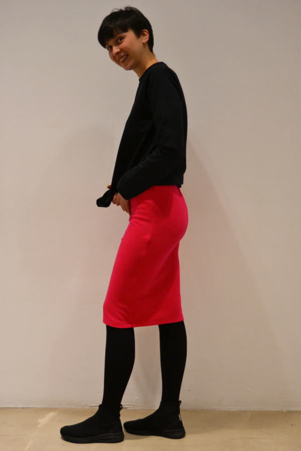 falda-tubo-magenta-lateral   Elisa Muresan ropa ecológica.