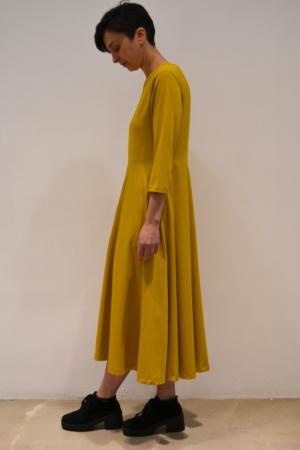 vestido-mostaza-lateral | Elisa Muresan moda sostenible