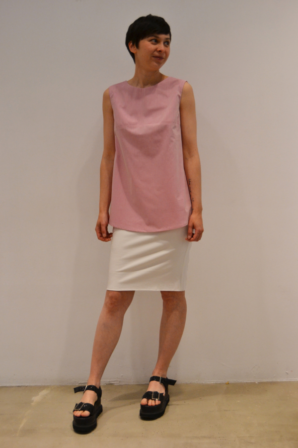 camiseta-espalda-abierta   Elisa Muresan moda sostenible