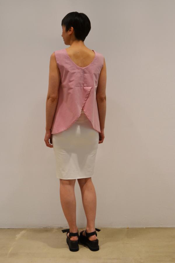 camiseta-espalda-abierta-detras   Elisa Muresan moda sostenible
