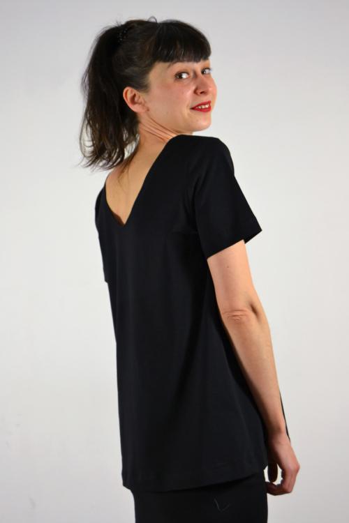camiseta-reversible-negra-lateral | Elisa Muresan moda sostenible